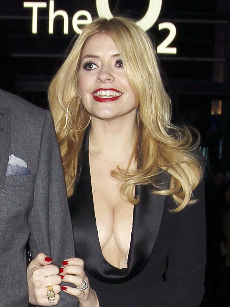 Mariah carey cleavage - 3 part 2