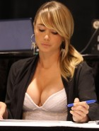 Sara Jean Underwood boobs