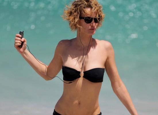 Karen Mulder topless bikini
