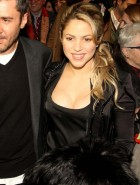 Shakira boobs