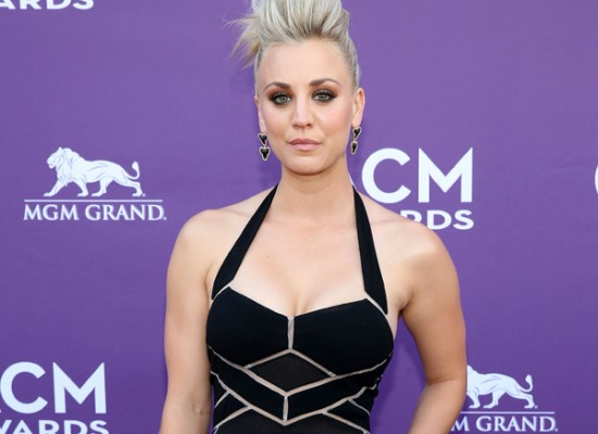 Kaley Cuoco cleavage