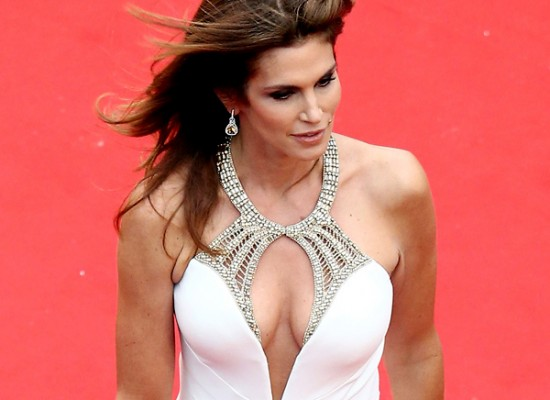 Cindy Crawford cleavy cannes