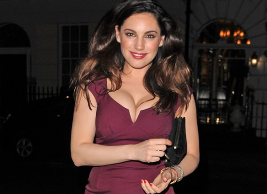 Kelly Brook cleavy