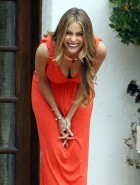 Sofia Vergara bends over