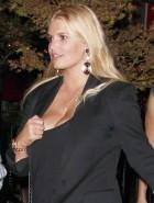 Jessica Simpson cleavage