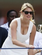 Kate Upton cleavage at the 2013 US Open