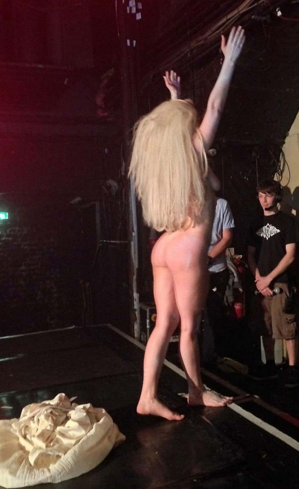 Naked crowd gaga lady