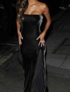 Nicole Scherzinger cleavage