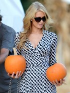 Paris Hilton cleavage at Pumpkin Patch