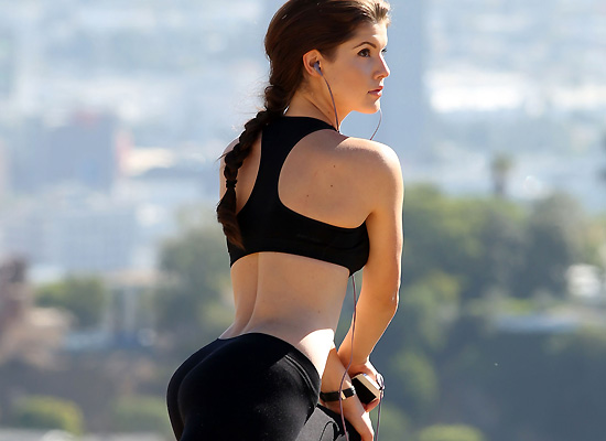 Amanda Cerny booty workout