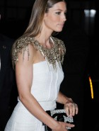 Jessica Biel booty profile