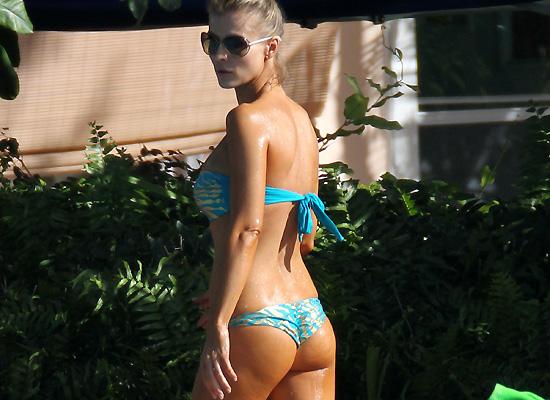 Joanna Krupa bikini booty