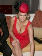 Kate Upton cleavage at Melbourne Cup Day