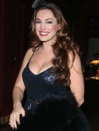 Kelly Brook cleavage