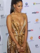 Micaela Reis cleavage