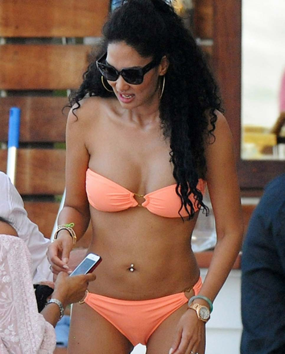 Kimora Lee Simmons Bikini Body Is Incredible PHOTOS
