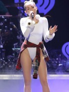 Miley Cyrus crotch at Jingle Ball