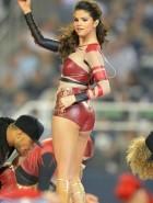 Selena Gomez booty on stage