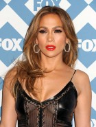 Jennifer Lopez boobs