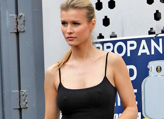 Joanna Krupa nipple pokies