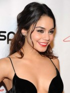 Vanessa Hudgens hot cleavage