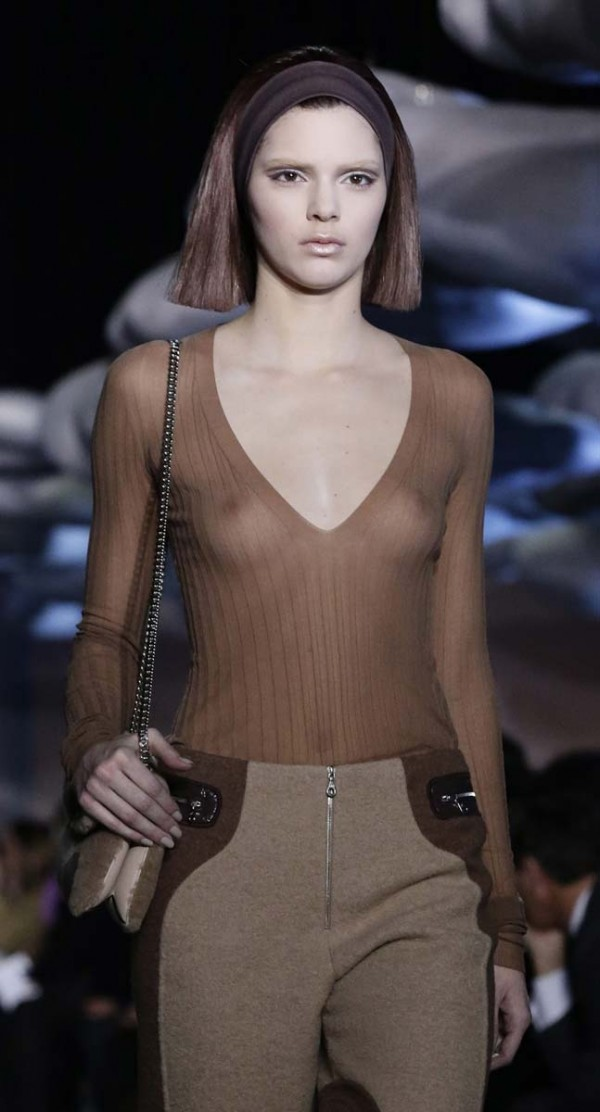 Kendall Jenner nipples on the runway