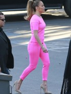 Jennifer Lopez booty in pink tights