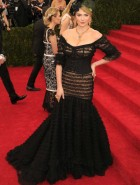 Kate Upton Charles James: Beyond Fashion Costume Institute Gala