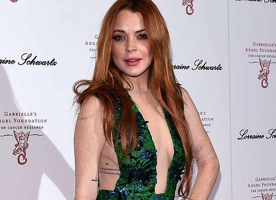 Lindsay Lohan sideboob cleavage